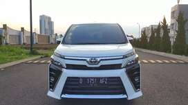 Toyota Voxy 2.0 AT Tahun 2017 Plat D km 40rban Istimewa