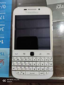 Black berry Q20 classic touch and type