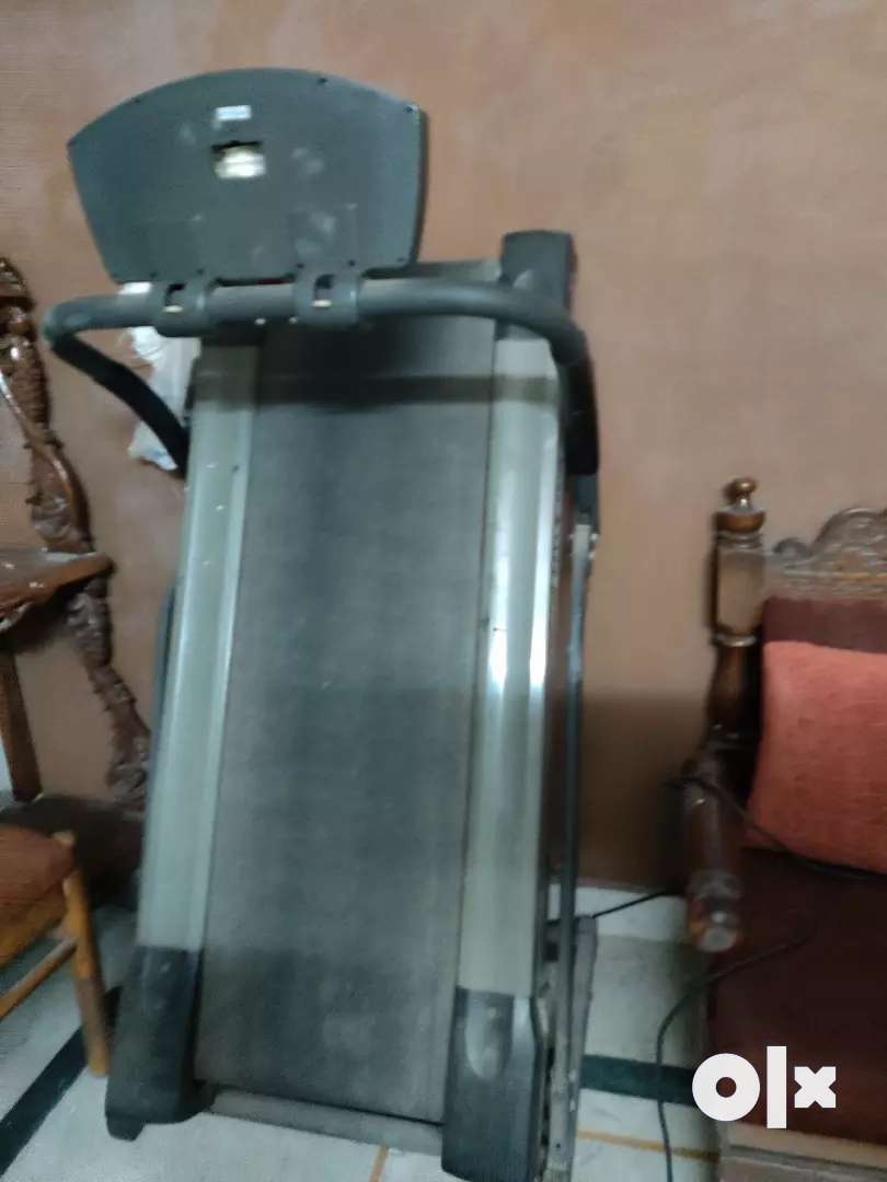 Motorized treadmill 0
