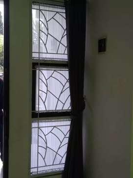 Tralis jendela besi padat