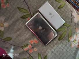 both apple ipods for 7000