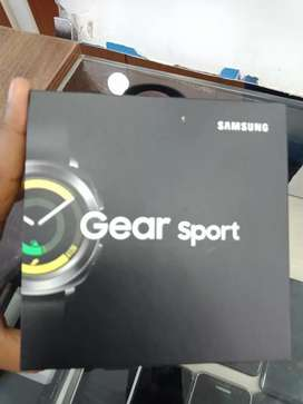Brandnew Samsung gear sport smart watch just seal cut