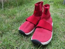 Sepatu Zara buat anak