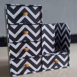 Kotak laci zig-Zag