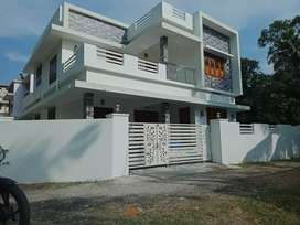 Ready to occupy 4 bhk 2200 sqft posh house at paravur town