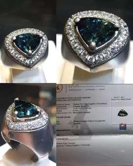 Batu Natural Tri Color Sapphire 3.31ct Tanzania serti DGL