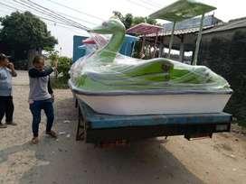 sepeda air angsa,perahu air angsa,bebek bebekan gowes,perahu wahana ai