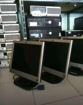 Lcd monitor 15in minimalis untuk pribadi dan kantoran