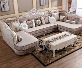 U shave sofa with center tabel