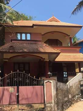 5cent and 3bhk 1600sqft house  for sale .peyad junction