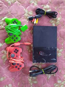 SONY PLAYSTATION 2 SLIM ( PRICE IS NEGOTIABLE )