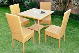 Lawn Dinning with four chairs