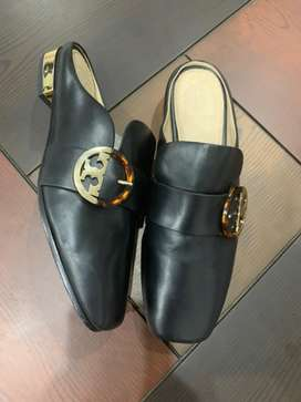 tory burch shoes size 5M