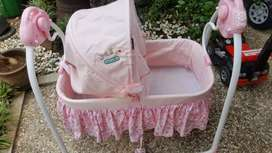 Box tidur bayi (ayunan otomatis)