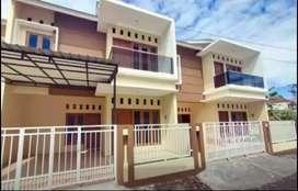 Rumah dijual secara cepat 2 lantai 4 kamar di wirosaban yogyakarta