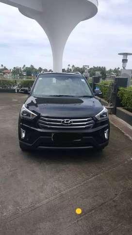 Hyundai creta automatic diesel Showroom service  till date low km