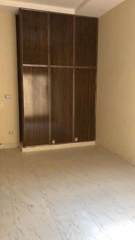 Flats ands rooms are available for students near by ucp