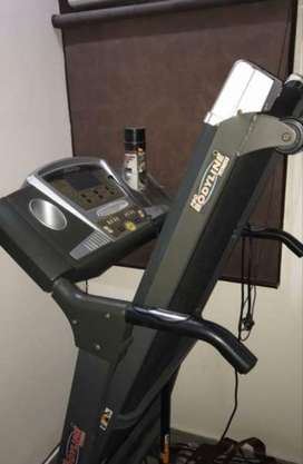 Pro fitness treadmill almost in new condition
