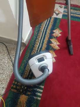 In very good condition  vacuum cleaner  of 120v electricity
