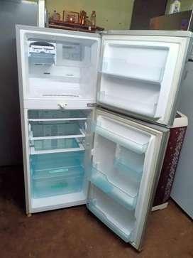 Samsung 250 liter refrigerator is good condition original