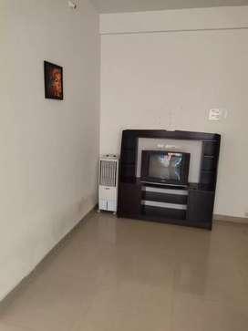 1bhk fully furnished flat