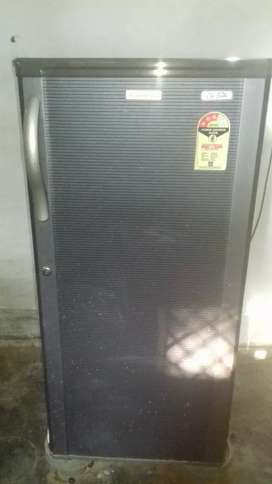 Electronics fridge