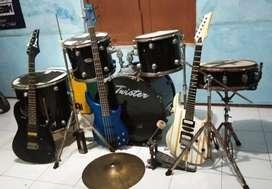 Borongan drum, gitar ,bass