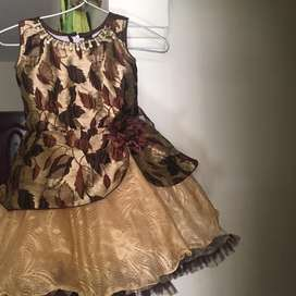 Girl dress 3- 4 years
