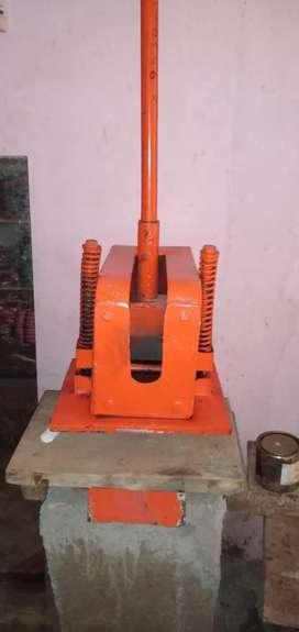 स्लीपर कटिंग सोल मशीन जिससे आप घर बैठे कमा सकते हैं एक से ₹2000 /