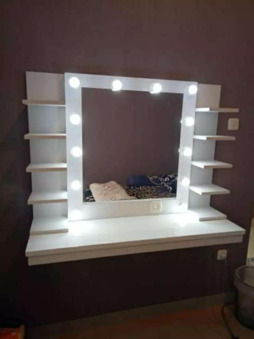 Cermin rias lampu+rak  terbaru 0