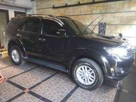 Toyota fortuner 2012 G vnt metic diesel low km pajak baru
