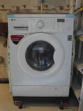 LG front load 6KG washing machine