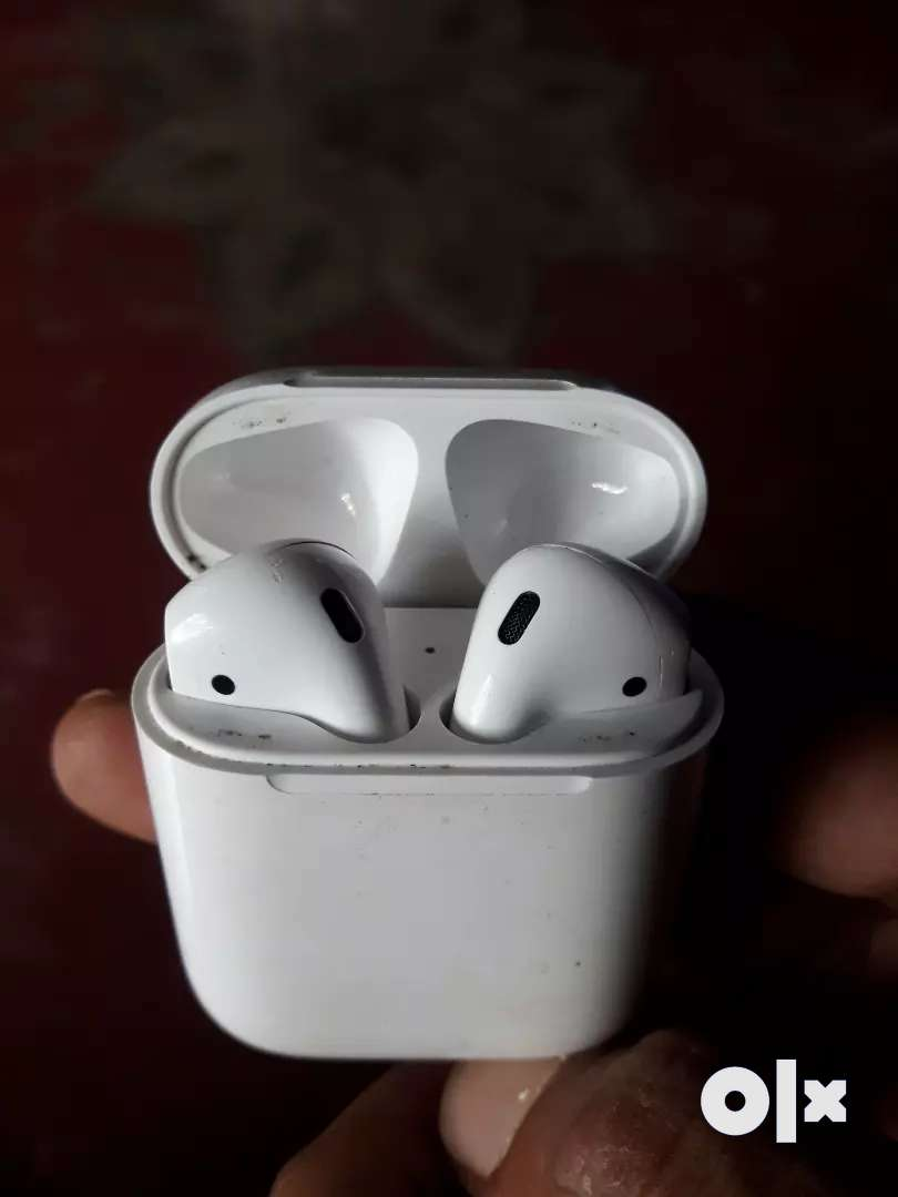 Apple air pods 1st gen no box no charger 0