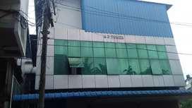 Aluva bank jn: beautyfull comercial building fir sale.