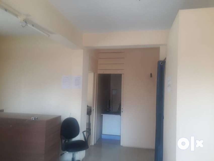 200 sqft semi furn office on rent Nr Noble Hospital Magarpatta chowk 0