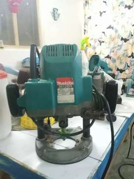 Makita 3612br Plunge Japanese Wood Router