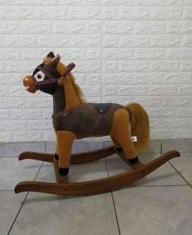 Kuda goyang  anak - anak