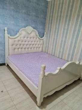 Dijual Tempat Tidur klasik + Meja Rias Kayu Jati Finishing Duco