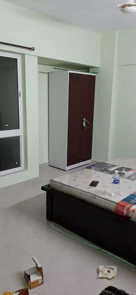 RENT SEMI-FURNISHED 3bhk in complex, with gym, pool, etc.