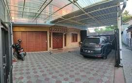 MURAH Rumah induk dan kost dekat kampus UTY Yogyakarta