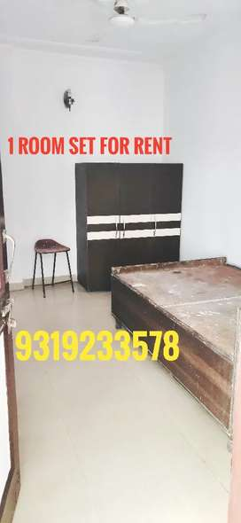 1 Room set for Rent in Madanpur khadar