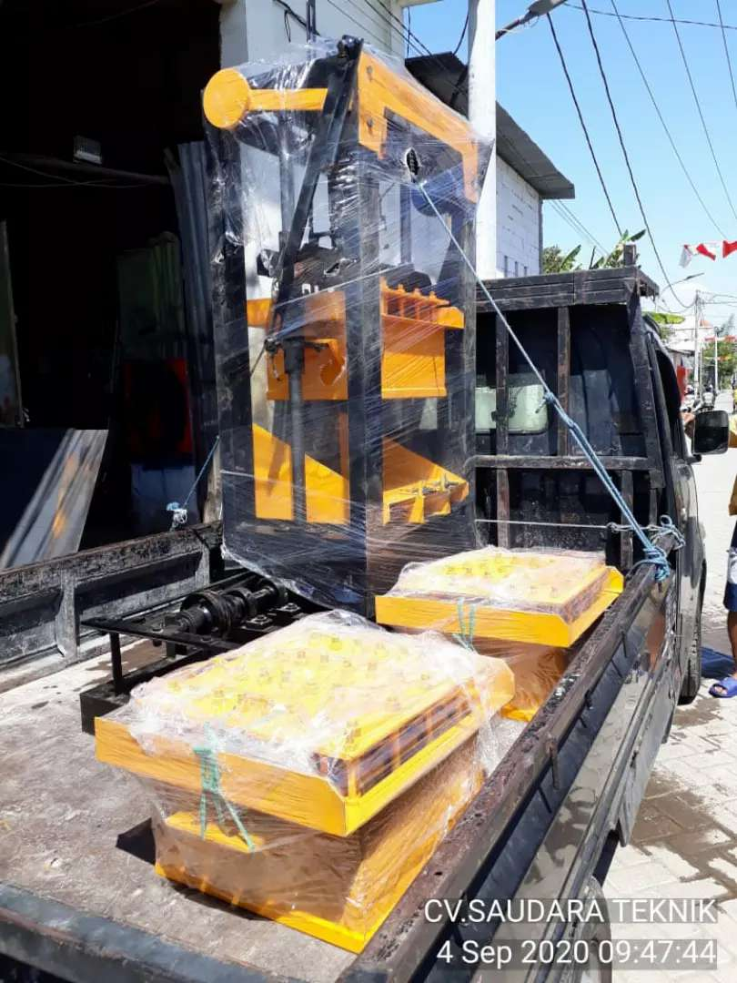 Mesin Cetak Paving dan Batako Press Langsung Pakai