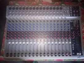 Peavey mixer 20 chanel