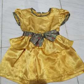 Dress satin anak