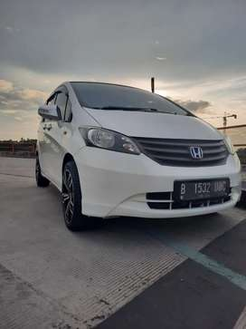 Dijual cash dan credit Honda freed sd matik 2011