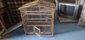Hey m selling this pet house it's specially for birds