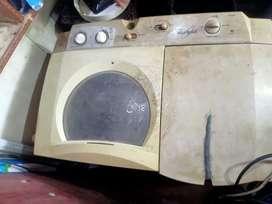 Washing machine good condition  3500