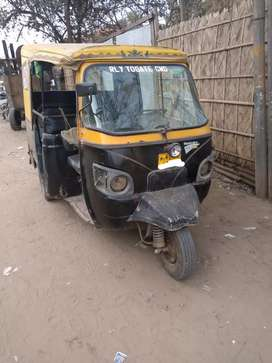 Three wheeler auto for sale 40000