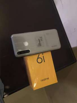 Selling almost brand new Realmi 6i