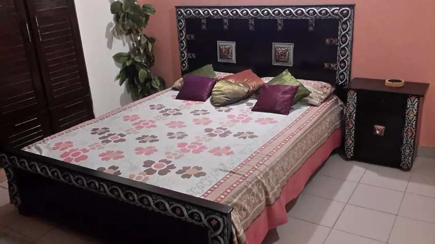 Need of decent male paying guests, furnished room bath with cupboard. 0